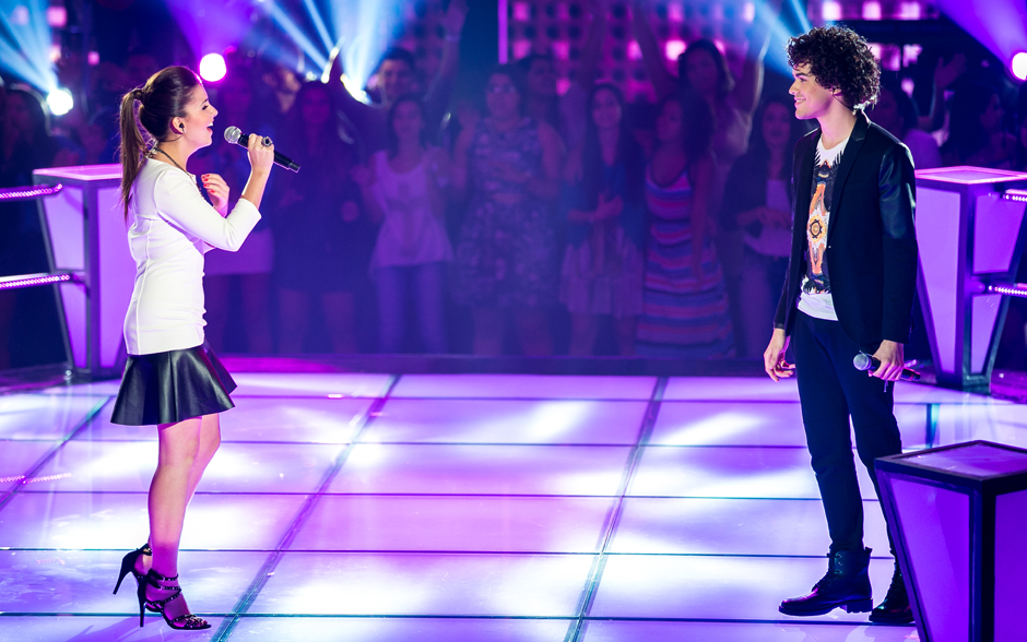 Sam Alves e Marcela Bueno sobem ao palco do The Voice para a Batalha