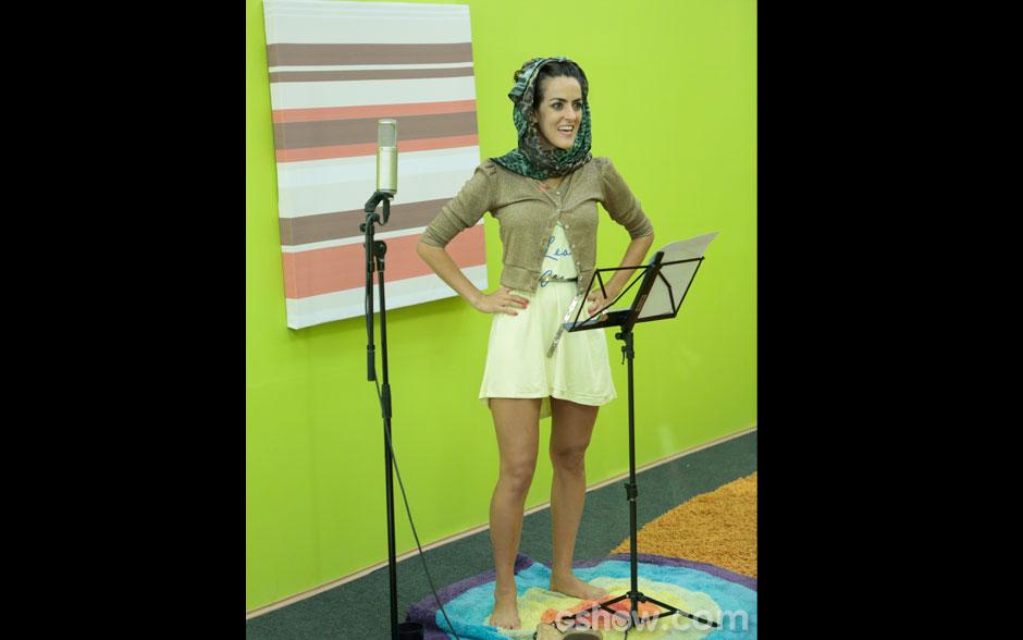 Luciana Paes treina voz