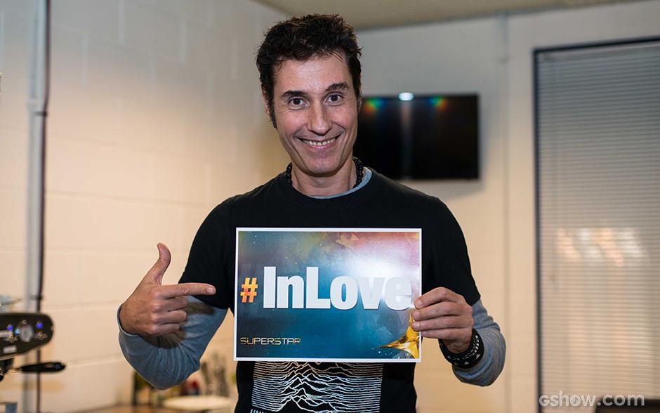 Dinho Ouro Preto está 'In Love' há 20 felizes anos por sua esposa, Maria