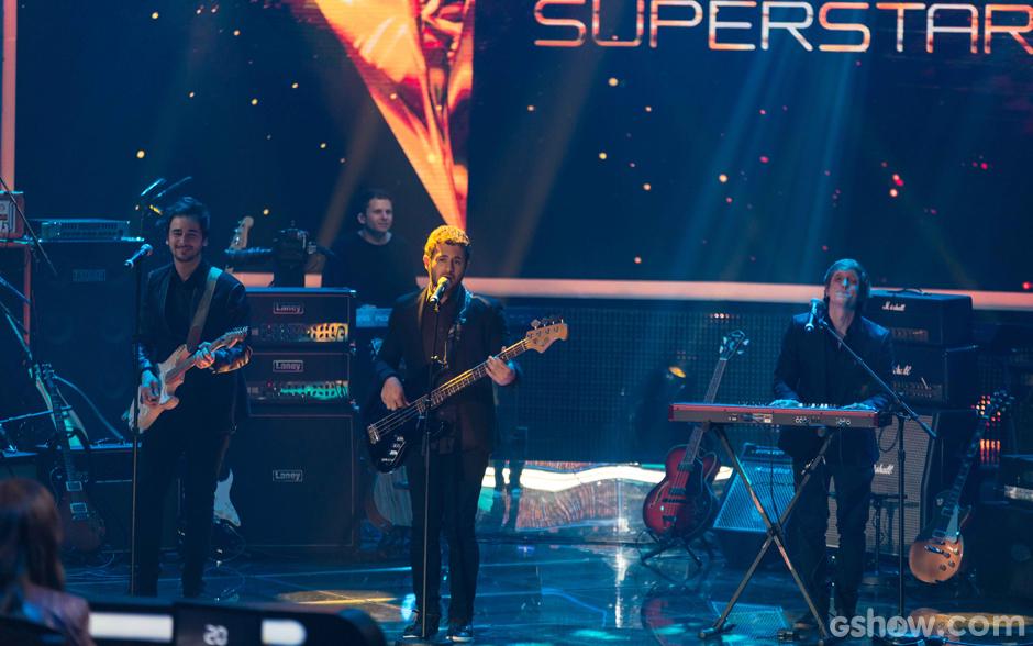 Os meninos da Jamz agitam a plateia, fecham o show com 56% dos votos do público e, ainda, são 'presenteados' por Dinho Ouro Preto com mais 5%, totalizando 61%. A Jamz é uma das finalistas do SuperStar!