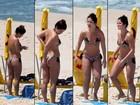 No dia de seu aniversário, Samara Felippo vai à praia sozinha no Rio
