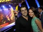 Paola Oliveira assiste a show de Lulu Santos com o namorado