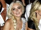 Mãe de Lindsay Lohan confirma: ensaio nu da filha 'correu bem'