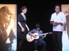 Júlia Lemmertz e Alexandre Borges homenageiam Vinicius de Moraes