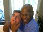 A convite de Luciano Huck, Mike Tyson virá ao Brasil para cantar, diz revista