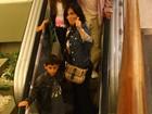 Glória Pires vai com os filhos caçulas ao cinema