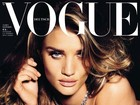 Rosie Huntington Whiteley posa sem blusa para capa de revista