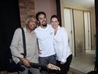 Gilberto Gil canta com o filho em show do grupo Tono