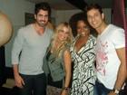 Ex-BBBs Rodrigão e Eliéser jantam com Karina Bacchi e Bombom