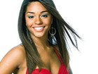 Juliana Alves posta foto com os cabelos lisos e compridos