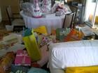 Mariana Belém mostra os presentes que ganhou em seu chá de bebê