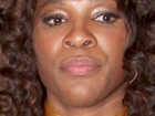 Site flagra Serena Williams com substância suspeita no nariz