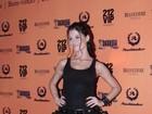 Alinne Moraes se fantasia como personagem de Angelina Jolie