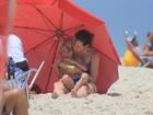 Vanessa Lóes vai a praia com os filhos