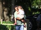 Marcos Palmeira curte sábado com a filha, Júlia