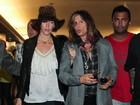 Família de Steven Tyler reclama da noiva do músico