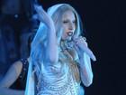 Lady Gaga canta com microfone em formato de pênis na Índia