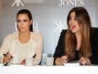 Recém-divorciada, Kim Kardashian lança coleção de bolsas na Austrália