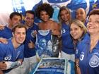 Sheron Menezzes comemora aniversário de torcida portelense