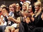 Hebe Camargo aplaude apresentação de Andrea Bocelli em Minas