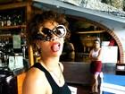 Rihanna esquece chuveiro ligado e alaga suíte de hotel, diz jornal