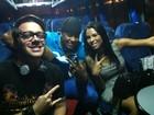 Ex-BBBs Max e Ariadna vão a show em Minas Gerais com Léo Santana