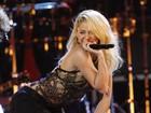 Shakira faz a 'dança da bundinha' em apresentação no Gramy Latino