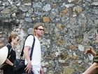 Angelina Jolie e Brad Pitt visitam priso no Vietn
