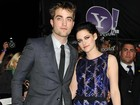 Robert Pattinson e Kristen Stewart tero que posar juntos em premire