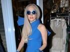 Lady Gaga adota 'visual smurf' em dia de compras em Londres