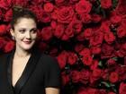 Drew Barrymore e outras famosas prestigiam Pedro Almodóvar nos EUA