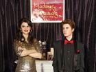 Estátuas de cera de Selena Gomez e Justin Bieber trocam de roupa