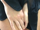 Fotógrafo posta imagem das pernas de uma mulher. Seria Bárbara Evans?