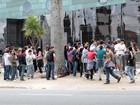 Fãs de Britney Spears fazem plantão na porta de hotel em São Paulo