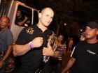 Lutador do UFC e Anamara curtem show em Salvador
