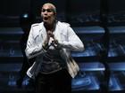 Chris Brown vai à festa de Rihanna e tenta calar convidados