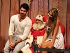 Ex-BBBs Rodrigão e Adriana posam com Papai Noel