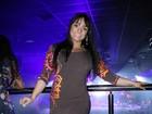 Mulher Melancia usa vestido curtinho para ir a show de Belo