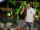 Viviane Araújo leva o namorado a aniversário de Alcione