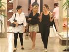 Thais Fersoza faz compras em shopping do Rio