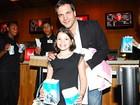 Daniel Boaventura leva a filha a pré-estreia de filme