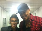 Léo Santana tieta Neymar em especial de fim de ano da Globo