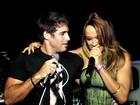 Raoni Carneiro e Leilah Moreno cantam juntos em boate