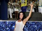 Gracyanne Barbosa samba de shortinho na Unidos da Tijuca