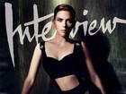 Scarlett Johansson posa de lingerie para revista