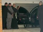 Xuxa chega pela porta de trás em premiação