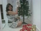 Priscila Pires decora árvore de natal para o filho: 'fiz para o Gabriel'