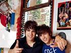 Filhos de Emilio Surita viram galãs entre as adolescentes: 'TV e teatro'