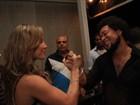 Claudia Leitte mostra o muque ao cumprimentar cantor Jau