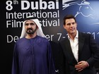 Tom Cruise posa com sheikh em festival de cinema em Dubai